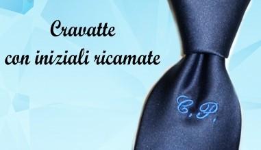 Cravatte con iniziali ricamate